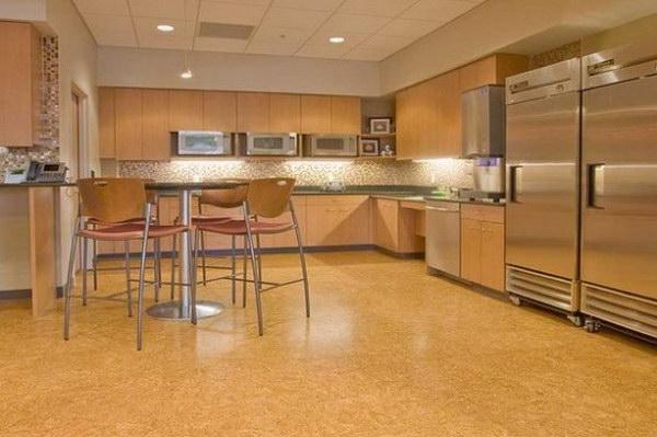 Пробковый пол на кухне интерьер