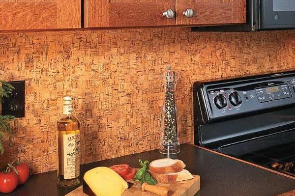 Пробковые стены на кухне