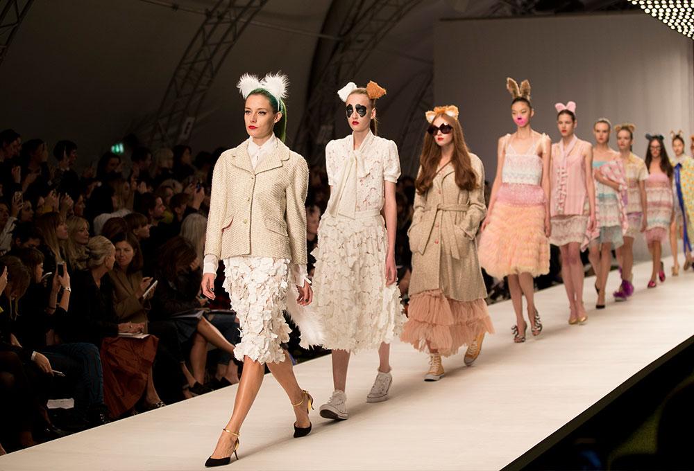 Неделя Моды в Лондоне прошла под знаком самой Природы в изысканном пробковом дизайне от Wicanders