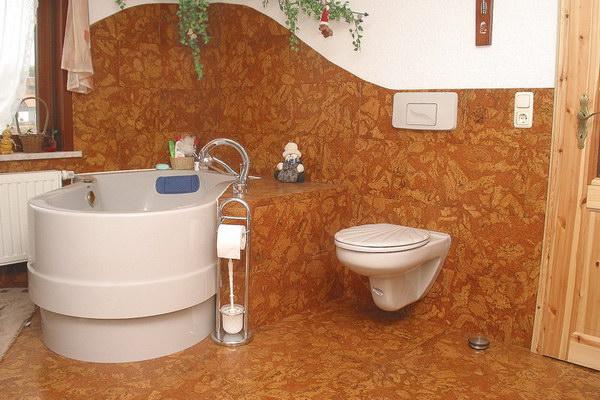Пробка для стен и пола в ванной комнате
