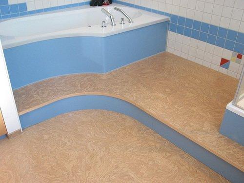Пробковый пол в интерьере ванной