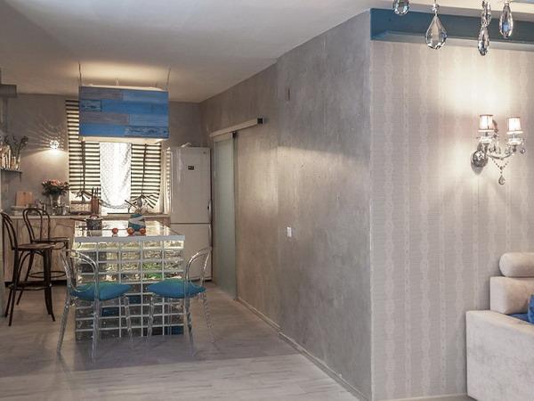 Пробка с фотопечатью Corkstyle Fantasy Cement на стене в интерьере
